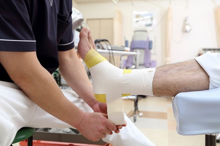 豊富な経験に基づく外傷性の怪我の治療を行っています。